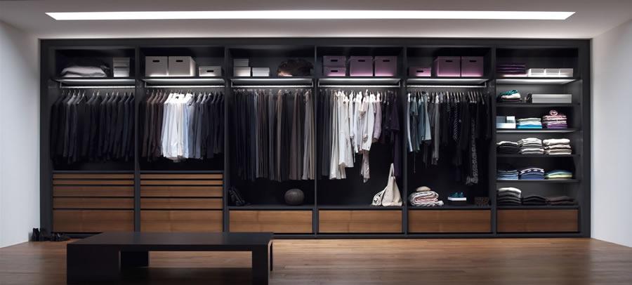On dise o productos s 07 de interl bke for Closets modernos para parejas