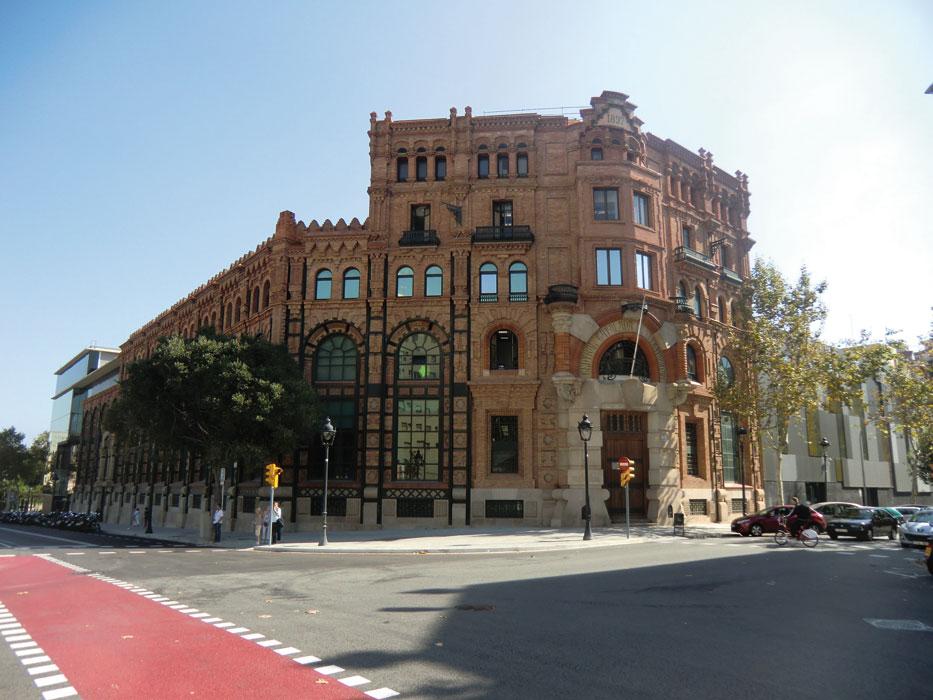 On dise o proyectos reforma y ampliaci n de la manzana for Oficinas de endesa en barcelona ciudad