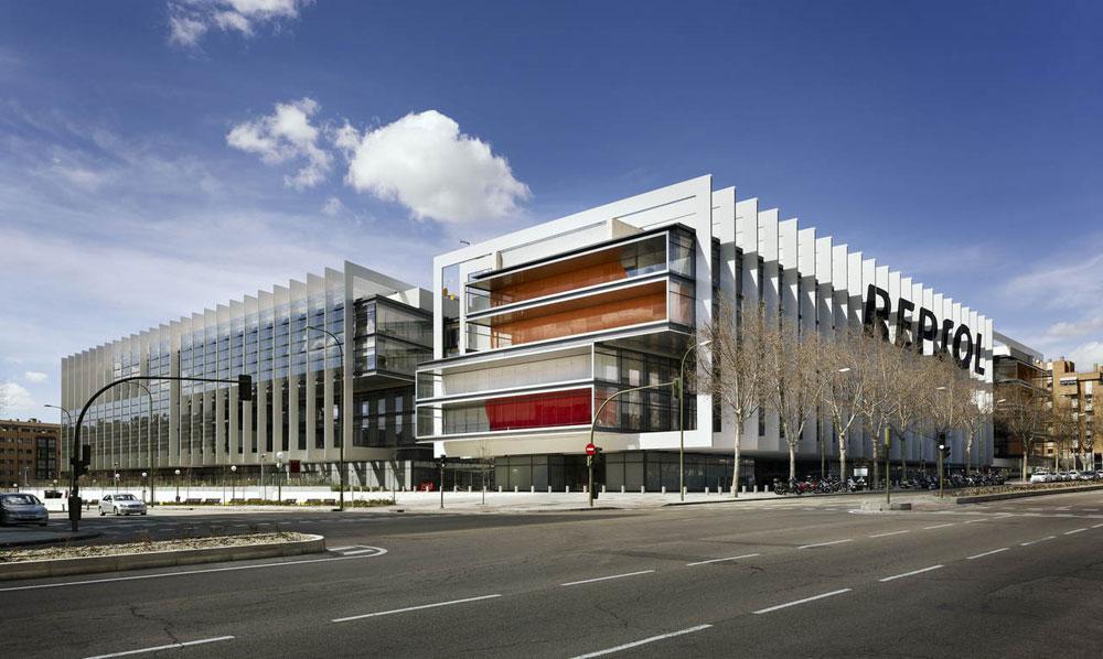 On dise o proyectos campus repsol for Repsol oficinas