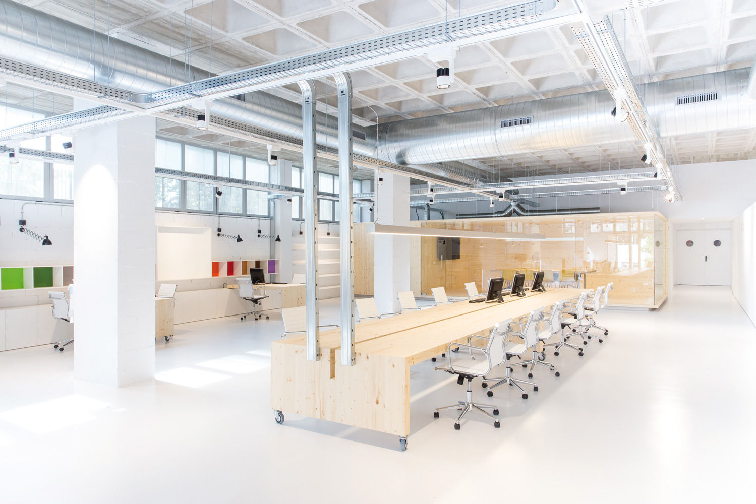 On dise o proyectos oficinas para los laboratorios for Arquitectura low cost